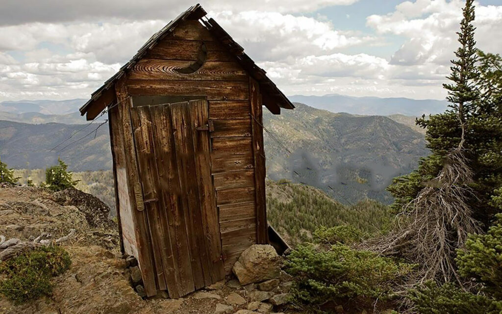 outhouse while running